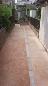 真砂土舗装でアプローチ