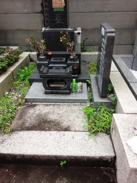 お墓の雑草対策で真砂土舗装を施工