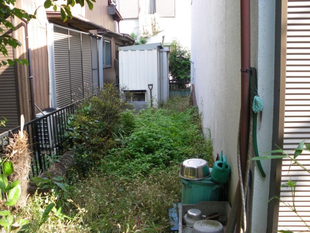 豊島区で除草作業
